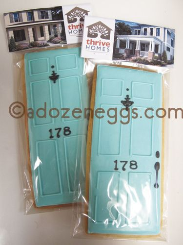 OMG so cute for a open house party!!! Front Door Favors with TOPPER
