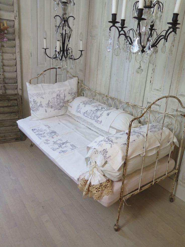 FRANKREICH Antikes EISEN Kinderbett Metallbett Gitterbettt FRENCH SHABBY