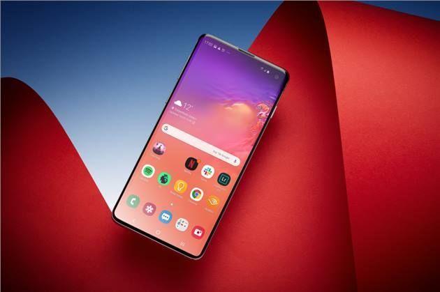 سامسونج تضيف واحدة من مميزات Iphone 11 لهواتف Galaxy S10 Tech News Galaxy Iphone 11