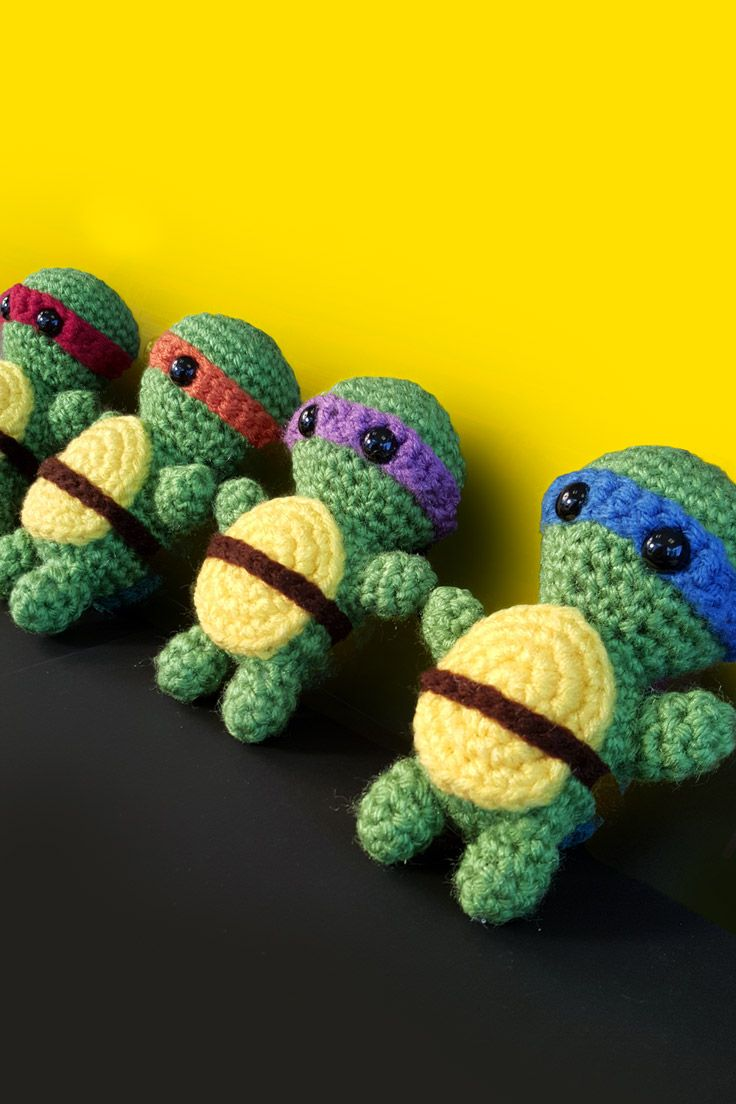 Create an adorable crocheted doll based on your favorite Teenage Mutant Ninja Turtle with this amigurumi crochet pattern