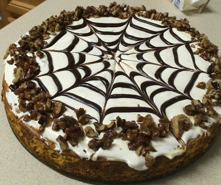 Pumpkin Cheesecake with pecans, and a whipped cream, cream cheese, condensed milk topping. I need that in my life. Stat. @O.B. Wellness Jennings-Alexander