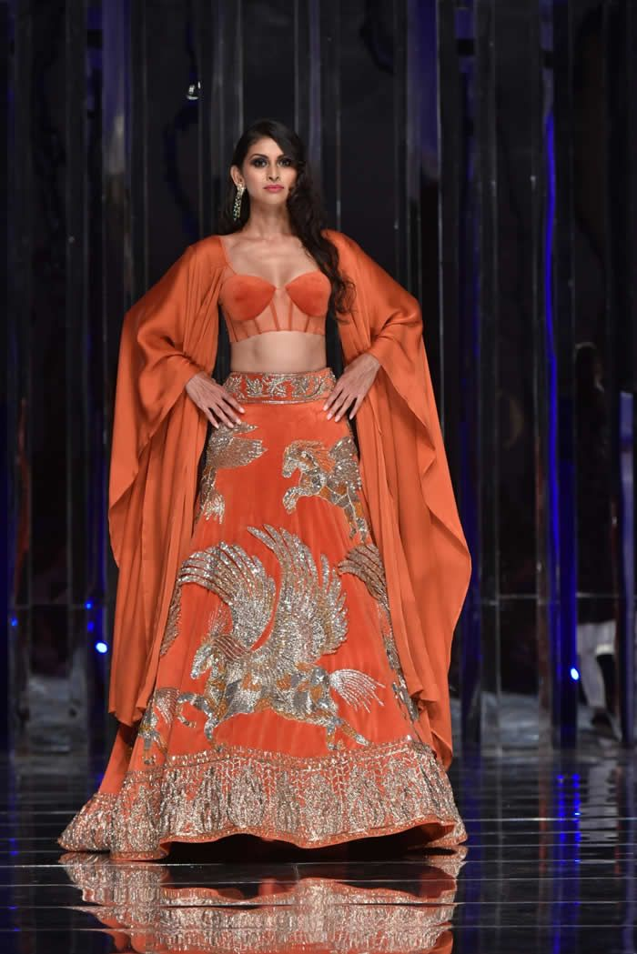ebb7bfc1562e Manish Malhotra Presents his Haute Couture 2018-2019 Collection  ZWEEN