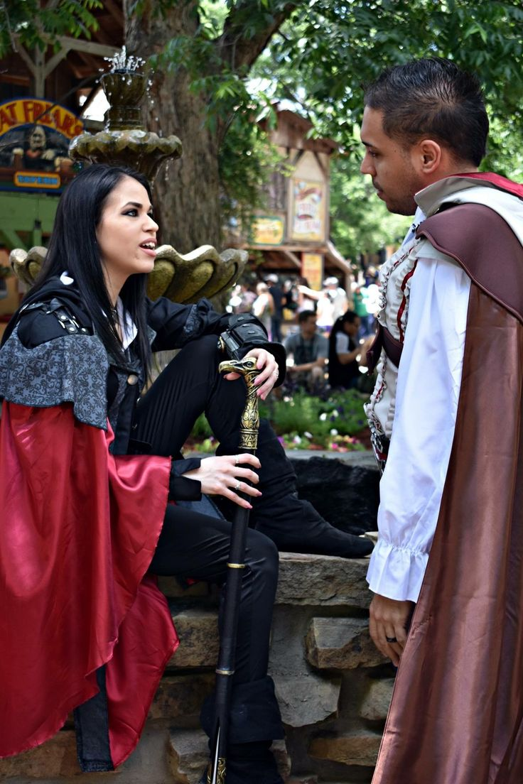 Assassin's Cosplay couples .. the way he looks into my eyes 💖🙈