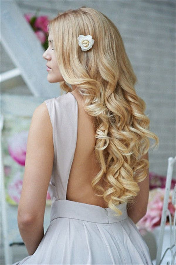 25 Romantic Long Wedding Hairstyles Using Flowers | www.deerpearlflow...