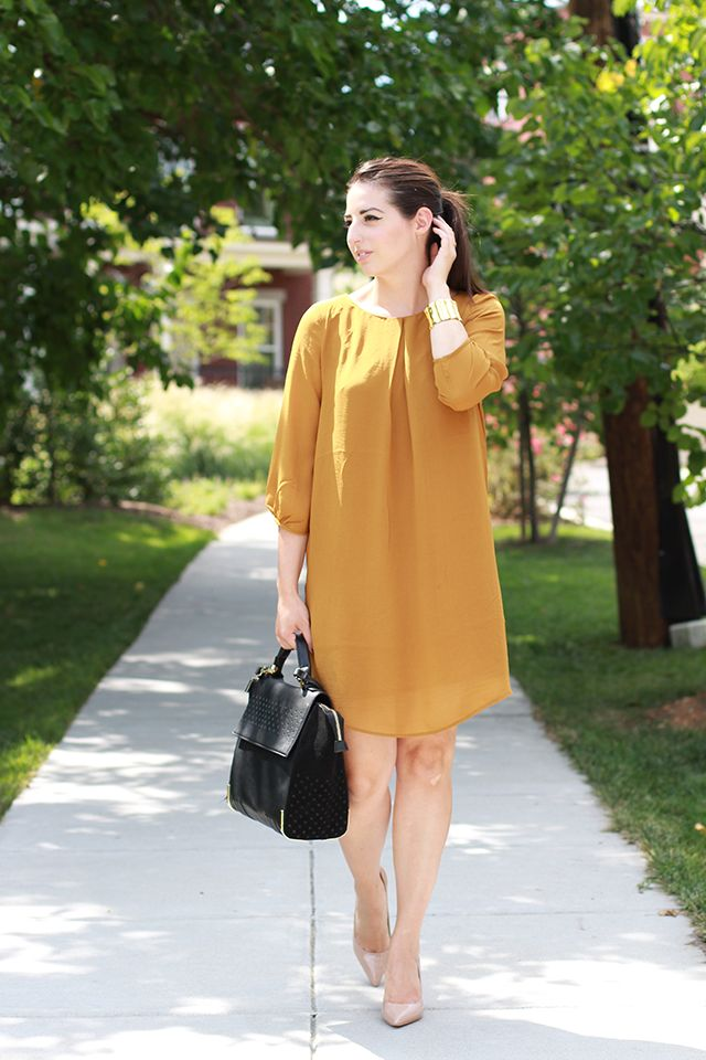 Kleidung Business Casual Mustard Yellow Dress & Nude Heels | #stylechat Style