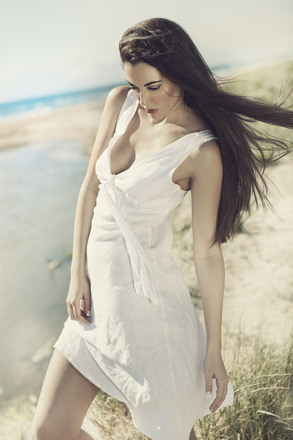 White Sun by D'Alessandro Photography, via Behance