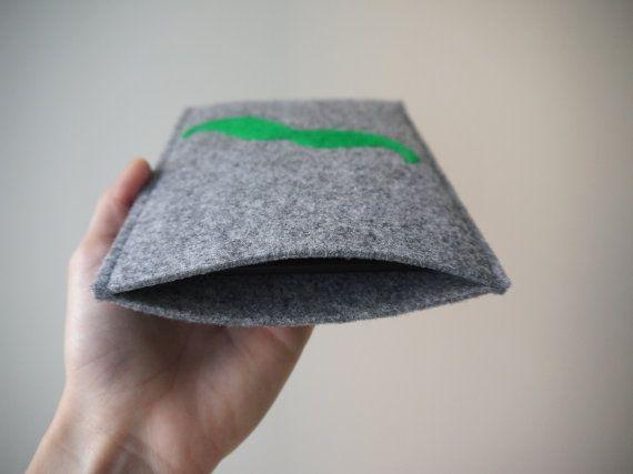 green mustache kindle cover! felt handmade kindle sleeve. kindle paperwhite cover. wool ereader case. gray kindle etui. felt kindle cover. wool cover.