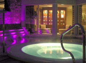 WIN! Luxury Overnight Spa Break WORTH €250 at Nádúr Spa in Ballygarry House Hotel  *Overnight stay, AA Rosette meal,€50 spa voucher per person, use of spa facilities and  breakfast the next morning.