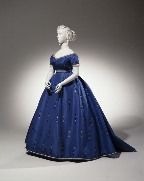Inspiration for my novella, The Substitute Bride. A gown my heroine Gwen might wear. #Victorian Evening Dress ca. 1865 from the Cincinnati Art Museum.