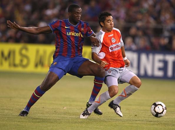 Seydou Keita Photo - FC Barcelona v Chivas