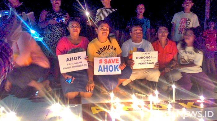 Ratusan Warga Rote Nyalakan 2017 Lilin Solidaritas Ahok