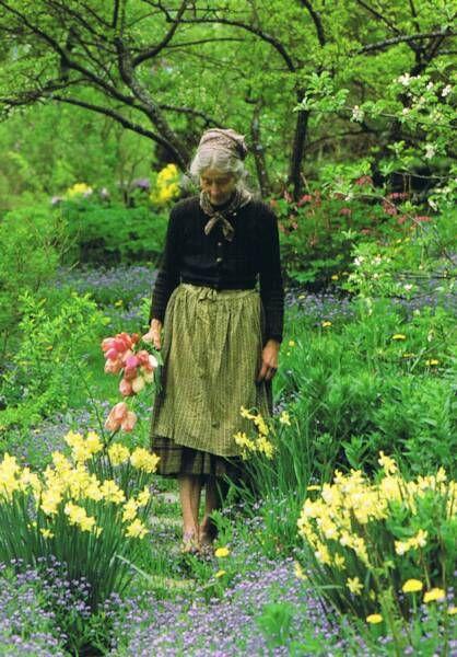 Tasha Tudor. Such an inspiration to all who love gardens. Garden Clothing Co Inspiration