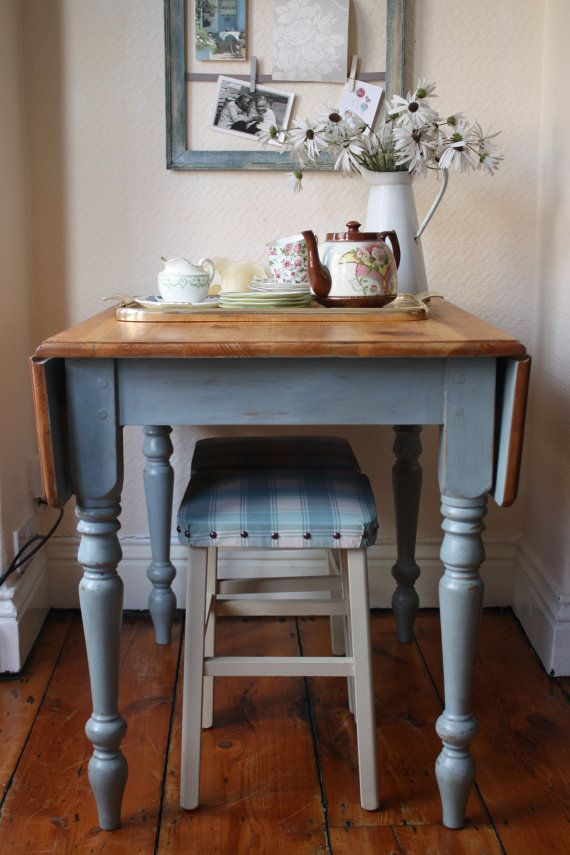 Restored Vintage Drop Leaf Table with Turned Legs by ArthurandEde
