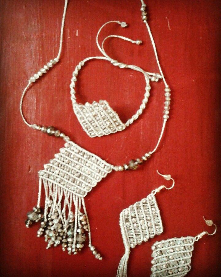 #macrame #micromacrame #macramewithbeads #macramenecklace #necklace #macramearrings #earrings #macramebracelet #bracelet #boho #silver #infashion #fashion #inlove #instyle #macrameart #heartmade #inspiration #handmade