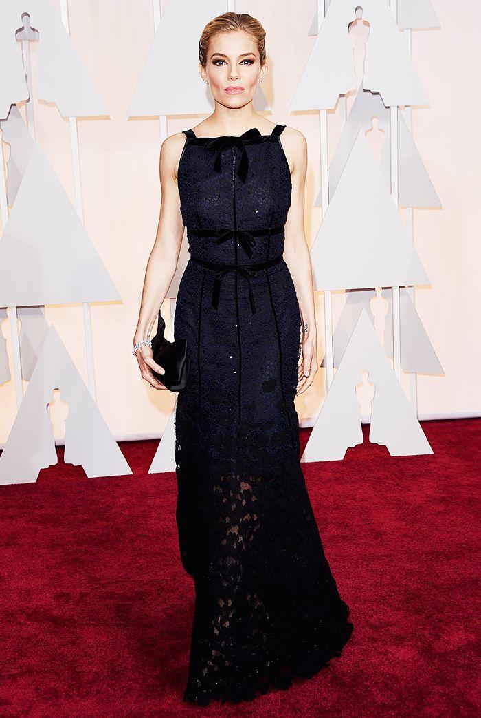 Sienna Miller in Oscar de la Renta 2015 Oscars