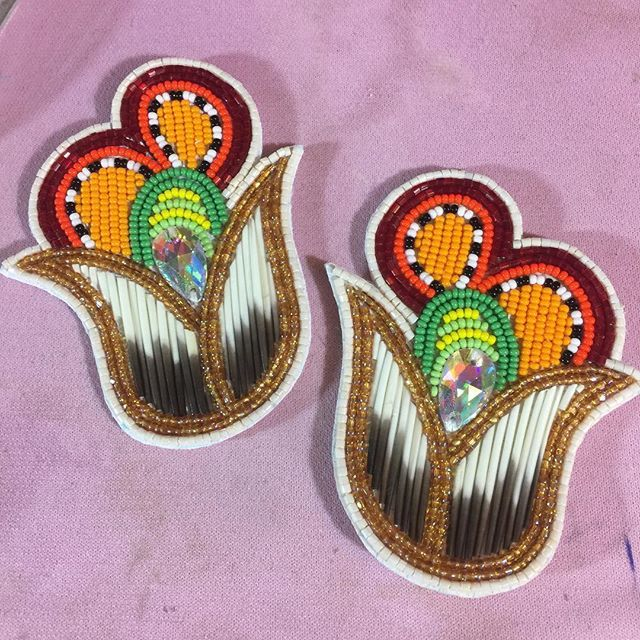 Look at these beauties! They'll be for sale at Ann Arbor powwow. #beadedearrings #beadwork #quillwork