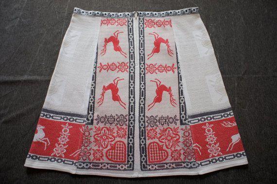 A-lijn rok, vintage Oostenrijks tafelkleed, Indonesisch batik, herten, harten en duifjes, rood wit grijs zwart, maat medium