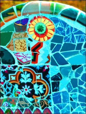 Gaudi mosaic in Barcelona: Mosaics Art, Art Nouveau, Fun Kids, Gaudi Mosaics, Artnouveau, Mosaics Inspiration, Mosaics Tile, Kids Funny, Antonio Gaudi