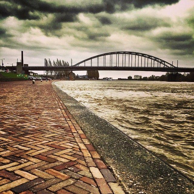 Rijnkade, Arnhem #redbol #arnhem