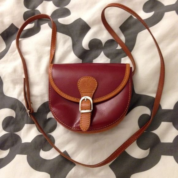 Vera Pelle Made in Italy purse for sale!! Genuine leather and in mint condition!!! Made in Italy! Cross body small and cute! I love it! Vera Pelle Bags