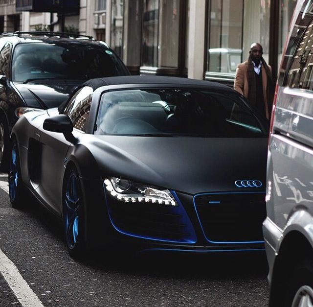 black with blue trim r8 audi dizzam cars planes yachts pinterest black audi and blue. Black Bedroom Furniture Sets. Home Design Ideas