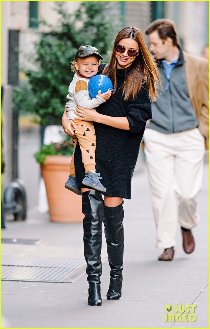 Love Miranda Kerr's style & this adorable pic of her baby boy.