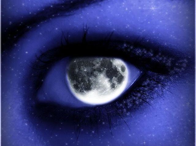 Måne-Du er en rolig og venlig person. Du tror uden for boksen, og ved, hvordan man problem løse. Dog kan du nogle gange lade folk gå over dig, fordi du er genert. Du forsøger altid at finde det gode i mennesker, men der er en mørkere side til dig, der ikke kommer ud ofte. Din særlig kraft er, at du kan se små stykker af fremtiden, som giver dig mulighed for at se nogle af udfaldet af valg.