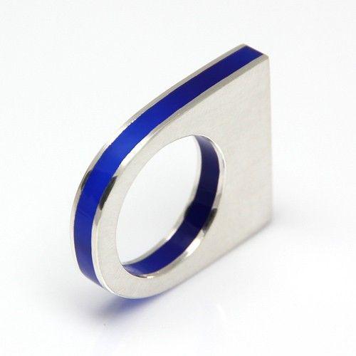 pierścionki i obrączki-Srebrny pierścionek z niebieską pleksi, 182 zł