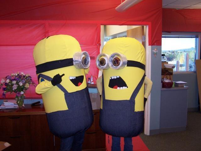 Dual Despicable Me Minion Build - Halloween 2011 *Pic Heavy*