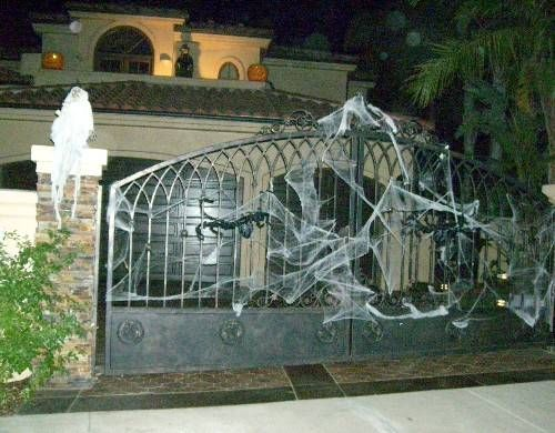 Creative Halloween Ideas for Outdoor Spaces - Halloween Decorating Ideas for Yards and Porches - A Picture Gallery of Halloween Outside Decorations