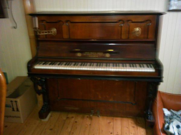 Schönes Klavier von » Tasteninstrumente