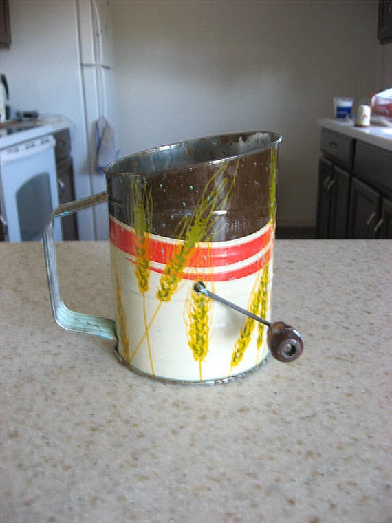 Vintage 3 cup flour sifter mid century modern by fowlpleasures, $10.00