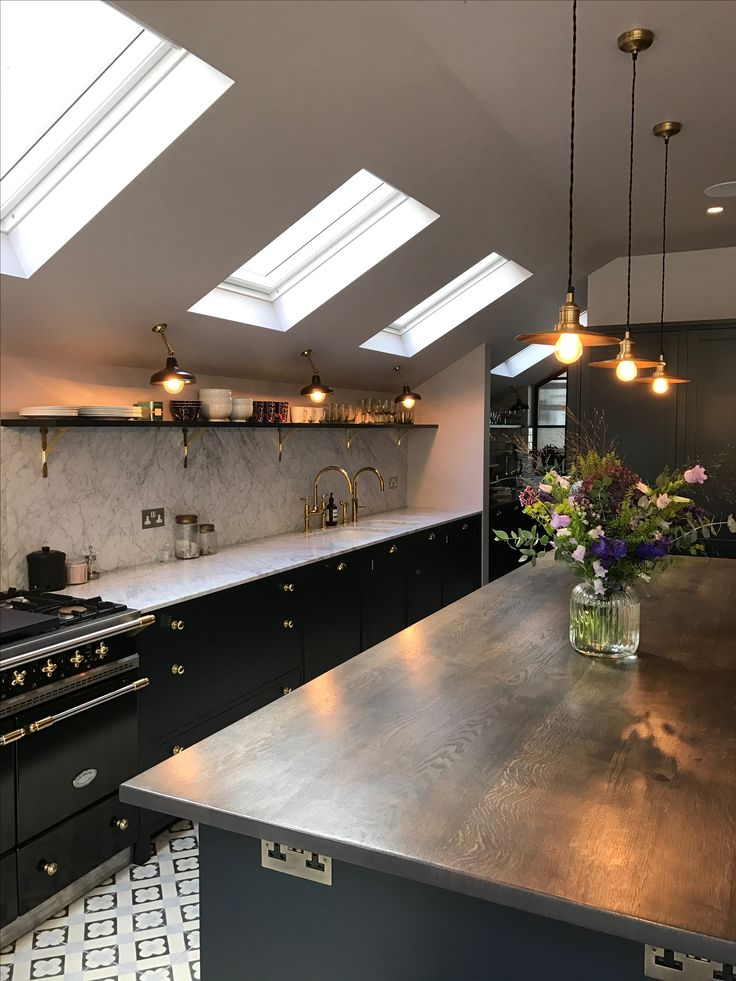 Bespoke kitchen by 202 design. Painted Shaker, farrow & Ball Railings, Carrara Marble, brass, Lacanche range, solid Oak. Queens Park Design & Build