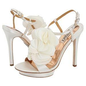 Как красиво надевать свадебные туфли