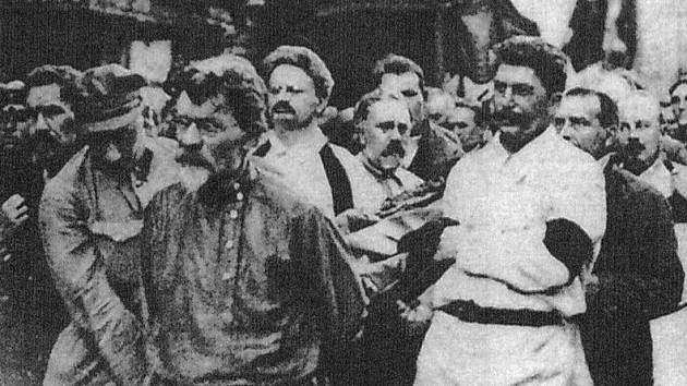 Funeral of Felix Dzerzhinsky. Trotsky and Stalin bearing the coffin 30 July 1926 [630354] http://ift.tt/2drAG3K