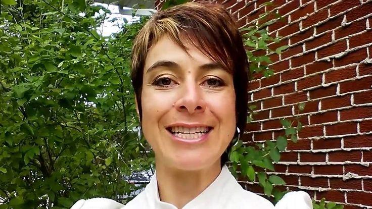 Je suis très heureuse de vous informer de la mise en ligne de mon nouveau site internet www.marienoelharnois.com.   Vous y trouverez des informations sur les 3 volets de mon entreprise : l'enseignement du langage de signes pour bébé, le coaching auprès des femmes et les formations et conférences d'inspiration.