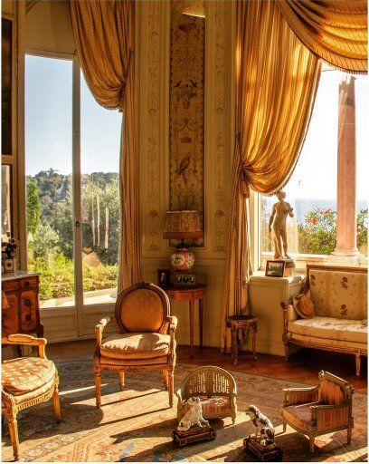 Apply a dose of #vintage #French #decor in your #livingroom and see it come alive in front of your eyes! #interiordesign #homedecor #tips #interiordesign #interior #interiorstyle #interiorlovers #interior4all #interiorforyou #interior123 #interiordecorating #interiorstyling #interiorarchitecture #interiores #interiordesignideas #interiorandhome #interiorforinspo #decor #homestyle #homedesign