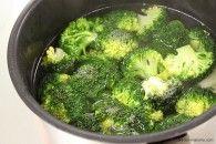 冷凍ブロッコリーはお家で作れるか?お弁当の彩りやハンバーグなど肉料理の添え物などに大活躍の栄養満点ブロッコリーをご家庭で冷凍保存するにはどうしたら…