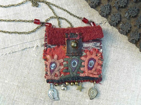 """Frenchmanufacture - necklace - pendant- pouch- """"on the road of Bundi"""""""