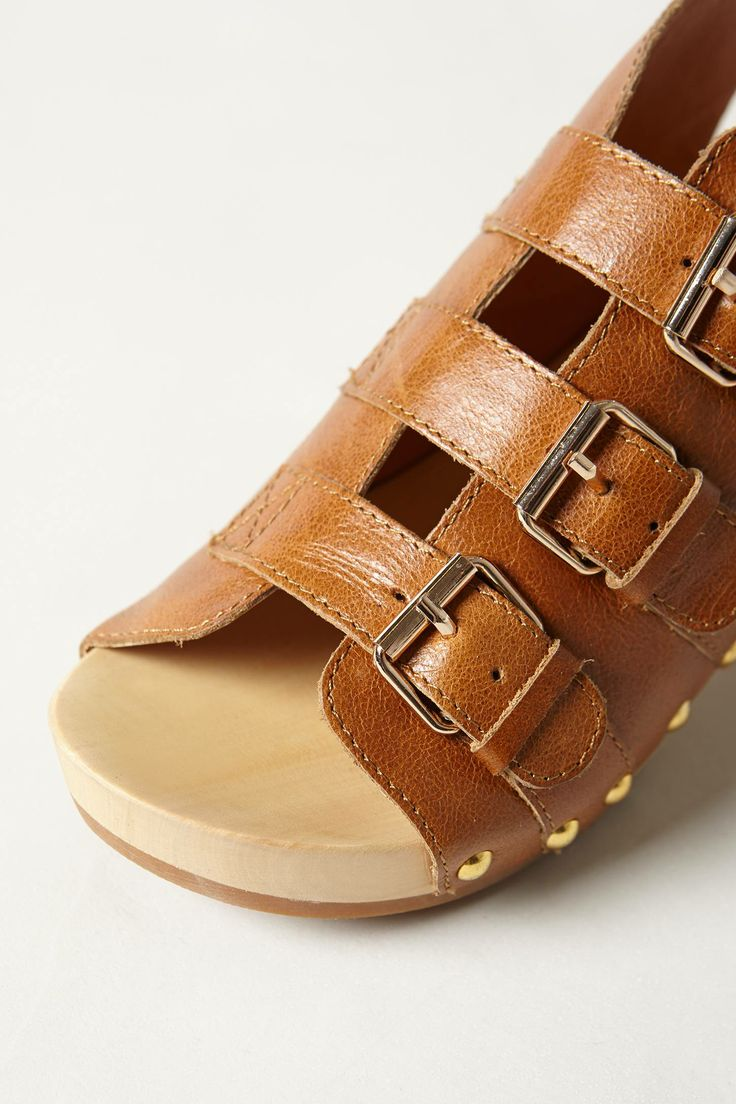 I like clogs and I like the fact that these shoe seem adjustable.