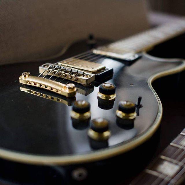 www.bouwerguitars.com #guitarmaker #luthier #lutnik #gitarrenbauer #electricguitar #guitarist #gitarzysta #gitarzystka #guitarporn  #szczecin #lutnikszczecin #luthierfrompoland #gold #bouwerguitars #naprawagitar #gitarynazamowienie #customguitar #zachodniopomorskie #gitarre #gitarren #gitara #gitar #guitar #guitarra #guitars #binding #tuneomatic #humbucker #guitarknobs #pickups