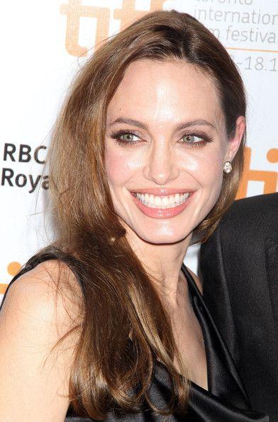 Angelina Jolie Nude Lipstick In 2019  Angelina Jolie -1509