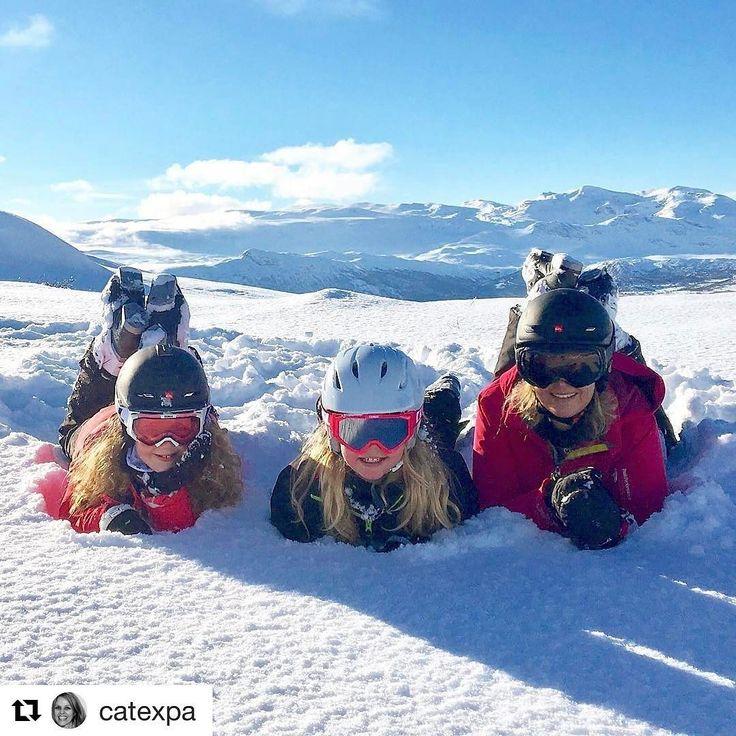 Alle gode ting er tre. #reiseliv #reisetips #reiseblogger #reiseråd  #Repost @catexpa with @repostapp  Deilig på toppen av verda!!!  #anotherdayinparadise #beitostølen