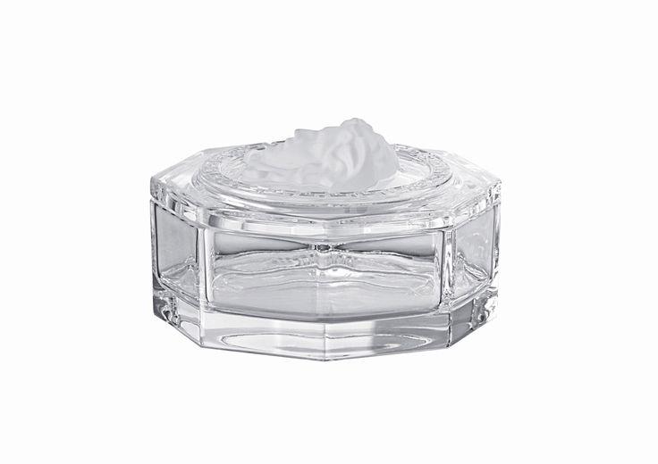 #MEDUSA LUMIÉRE BOX de #Versace. Una caja de cristal de exquisito gusto y elegancia diseñada por Gianni Versace. Encuéntrala en nuestra tienda online http://bit.ly/1XijR9X