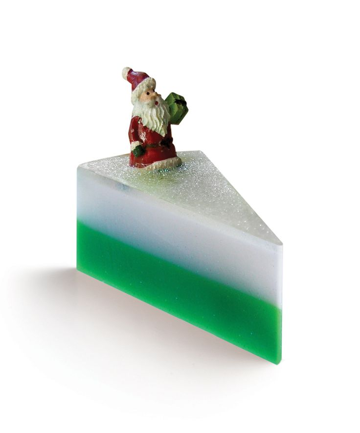 Christmas time,  I know of no other soap you can use in this period. This is a wonderful scent for the holidays, very unique, and extremely nice. This scent has all the wonders of Christmas  (the pine forest, the sweets …) wrapped up into one scent. You will be very pleased with this one.