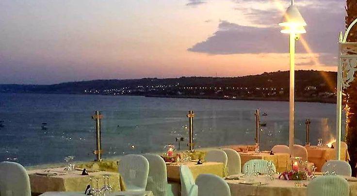 Ricevimenti di nozze sul mare nel Salento. Grotta del Conte a Castro Marina