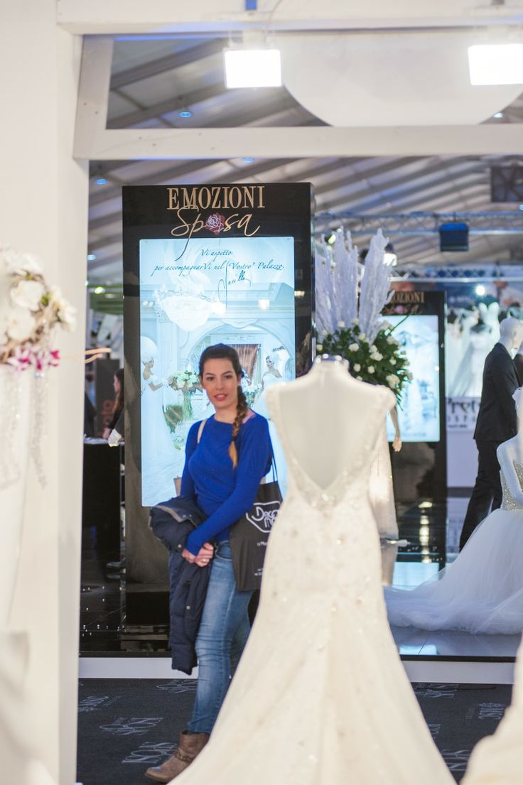 Abito da sposa esposto al Salone Promessi Sposi Lecce Novembre 2013