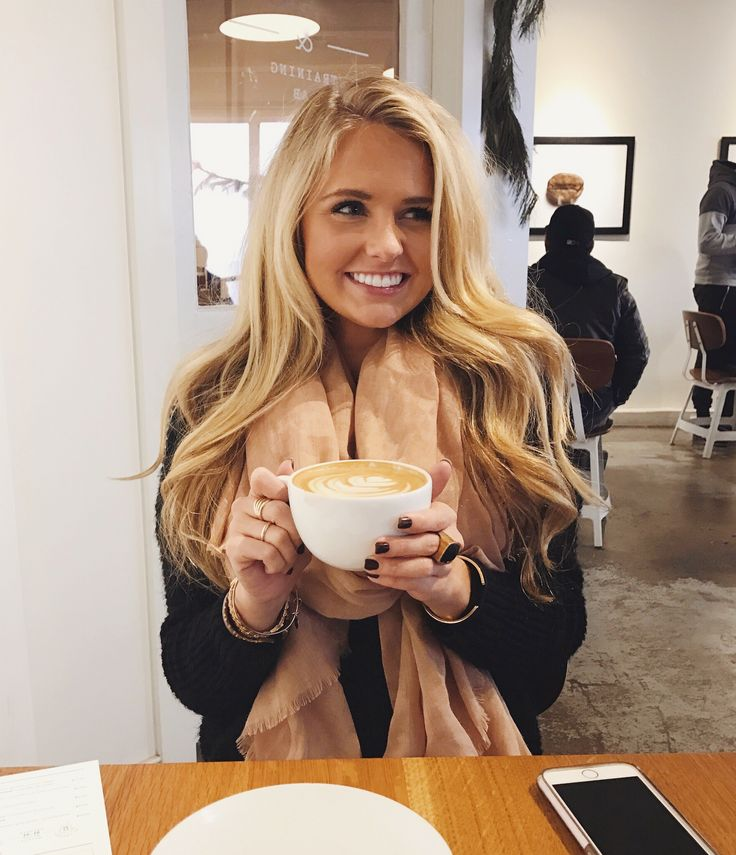 Coffee shop pics || blonde hair inspo Insta: @shealeighmills