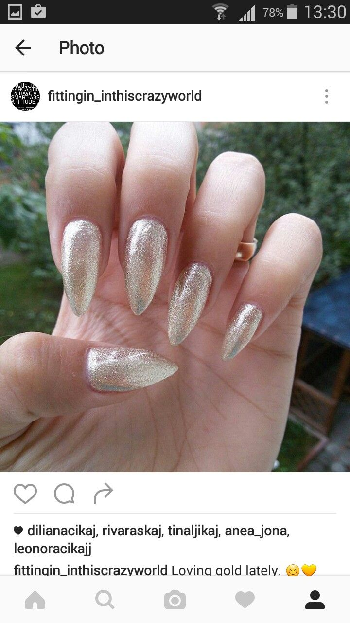 Gold sparkly nails