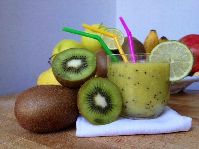 Frullato kiwi mela zenzero e lime